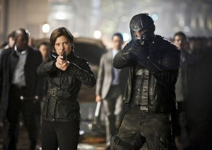 "Arrow -- ""Schism "" -- Image AR423b_0222b.jpg -- Pictured (L-R): Audrey Marie Anderson as Lyla Michaels and David Ramsey as John Diggle -- Photo: Bettina Strauss/The CW -- © 2016 The CW Network, LLC. All Rights Reserved."