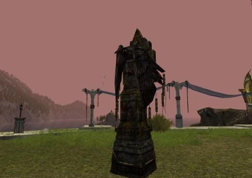 Statue de Corbeau vigilante