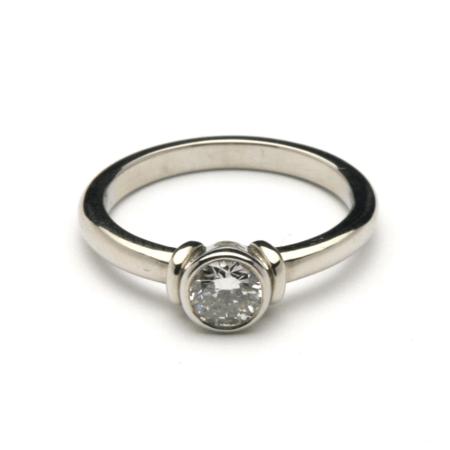 Solitaire Bar Diamond Ring 1