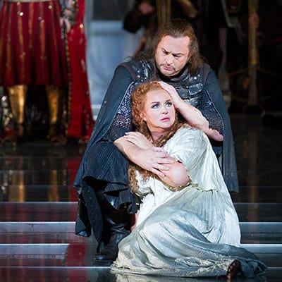 Ian Story as Tristan and Iréne Theorin as Isolde (Photo: Scott Suchman)