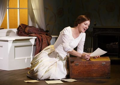 Joely Richardson as Emily Dickinson (Photo: Carol Rosegg)