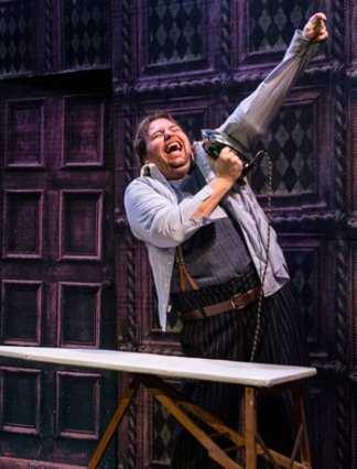 Doug Wilder as Francis (Photo: Teresa Castracane)