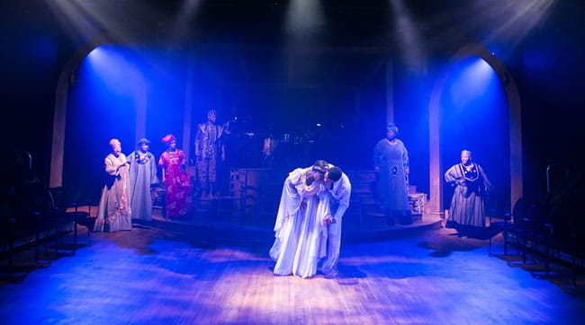 (center) Whitney Hutcherson and Darin Turner and the cast of Black Nativity at Theater Alliance (Photo: C. Stanley Photography)