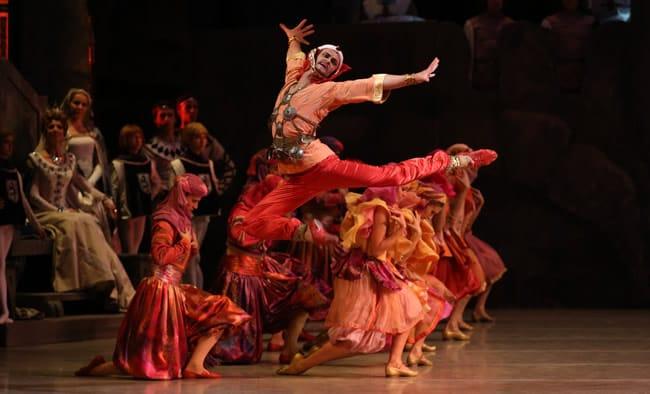 Yuri Smekalov as Adberakhman in Mariinsky Ballet Raymonda at The Kennedy Center (Photo: Natasha Razina)