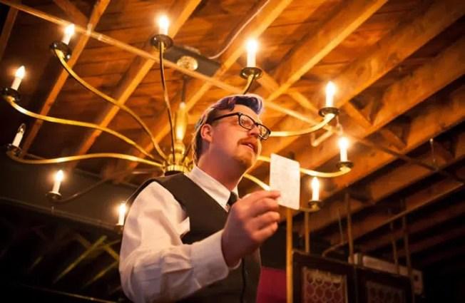 La Lectura del Tarot III en la Estrella de la Noche Cafe revisión - DC Escena de Teatro 1
