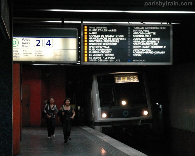RER, xe điện ngầm ở Paris. parisbytrain.com