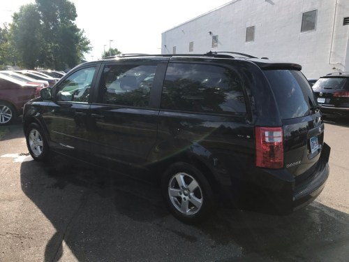 small resolution of pre owned 2010 dodge grand caravan hero