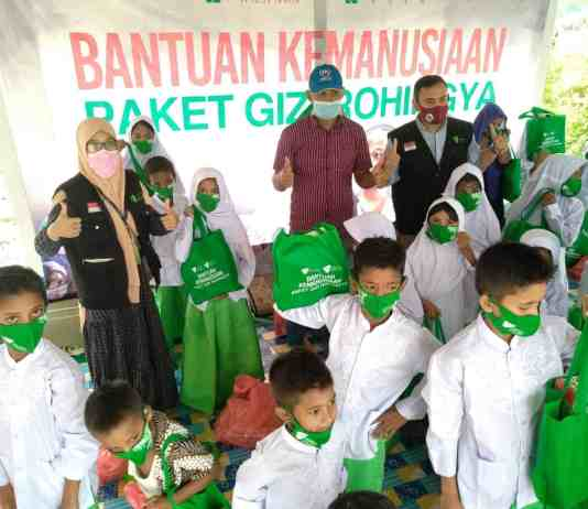 Dompet Dhuafa Waspada Berikan Paket Gizi kepada Pengungsi Rohingya di Aceh
