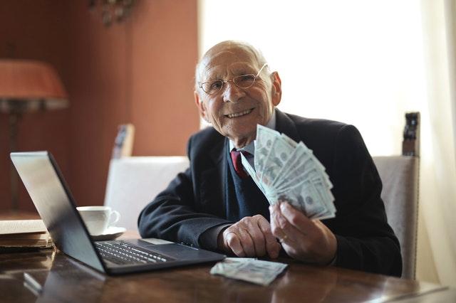 Canadian estate lawyer handling money