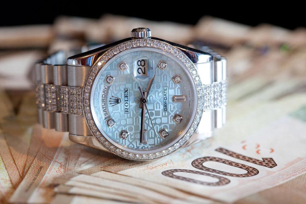 pawn a watch