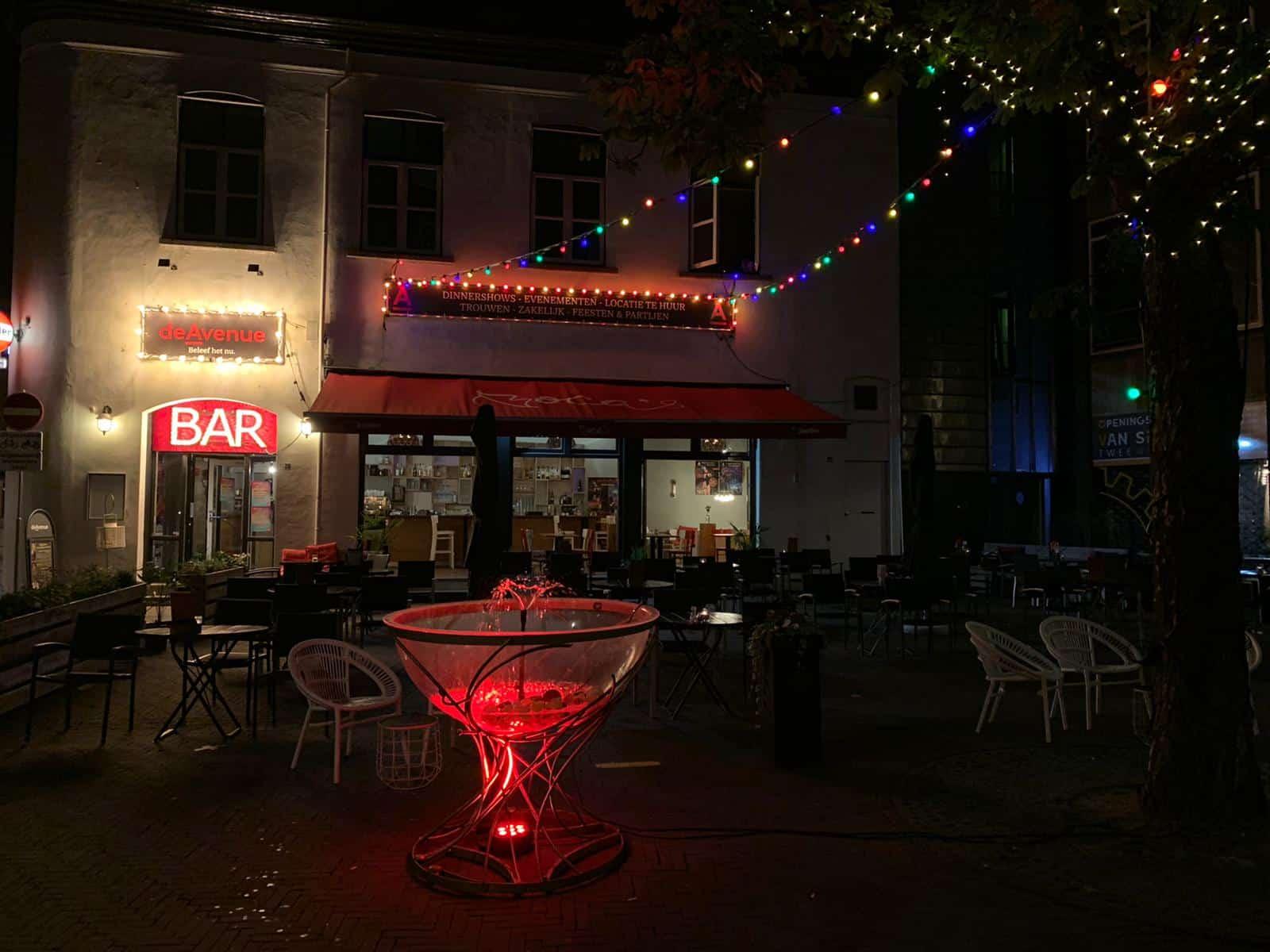 De Avenue Brasserie Night