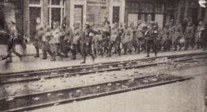 Afvoeren van Duitse troepen.