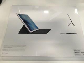 Smart Keyboard 箱の背面