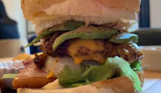 神楽坂のle Paveでハンバーガーランチ。バンズ、バティを含めて自分好みにカスタマイズ可能♪