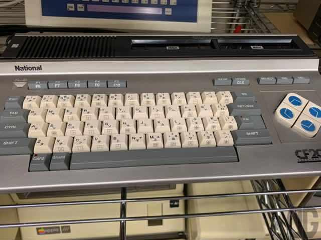 MSX機。ナショナルCF2000。PC-8801mkIIMRとか持ってたんでMSXには手を出さなかったんですよね…なのでよくわかりません。