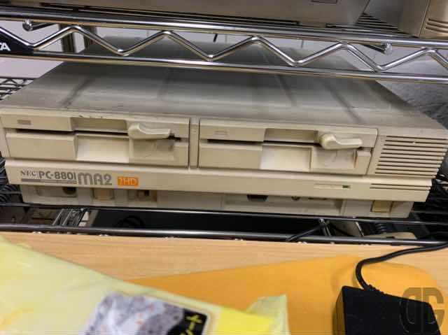 NEC PC-8801MA2。8ビット番のPC88の最終盤のはず(16ビットCPUとのハイブリッド機PC88VAという機種もありましたね)。実はまだ実家にあります。電源入るかな…