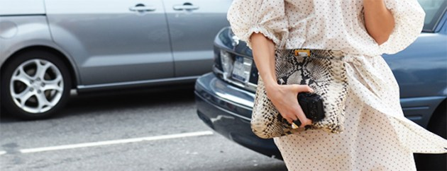 must-have-summer-bag-python-clutch-photo-from-jak-&-jil-desmitten
