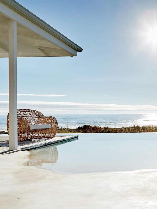 Minimalist Beach House: Interior Inspiration: A Minimalist Beach House