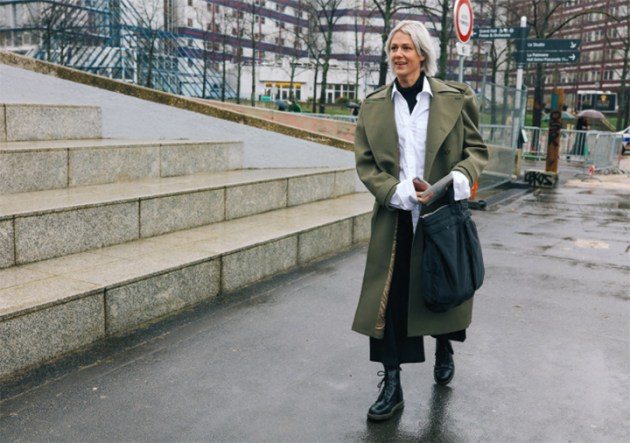 French-trench-style-paris-fashion-week-street-style-by-Phil-Oh-for-Vogue-4-desmitten