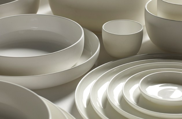 roundup-everyday-white-dishes-serax-piet-boon-desmitten