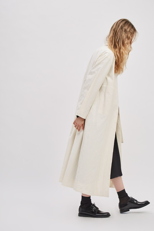 asymmetrical-overcoat-trench-canvas-cream-ivory-coat-de-smet-made-in-new-york-9