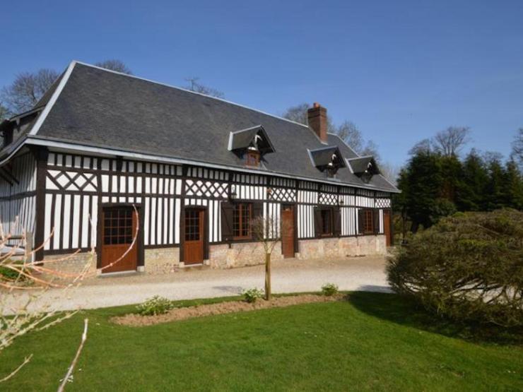 Vaste maison normande 240 m² environ8 pièces autre coté