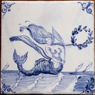9002-Zeewezen-Meerjungfrau-mit-Kranz