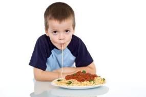 Ernährungsprogramm für Kinder mit niedrigem Gewicht und Muskeltonus