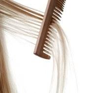 Haarausfall: Warum fällt das Haar aus?