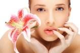 Flecken, Falten oder trockene Haut. Masken und pflanzliche Behandlungen