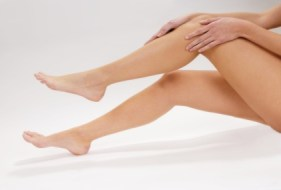Zeigen Sie schöne Beine