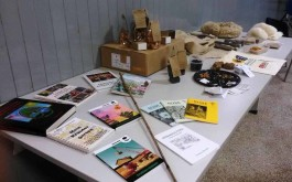 ...kleine Ausstellung:  Bϋcher+Natur- Produkte