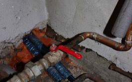 ...und anschliessen an Boiler und Pumpe