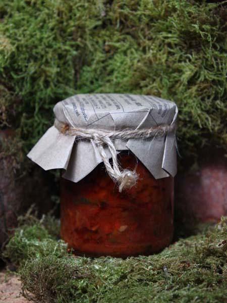 Hagebutten Ajvar pikant im Glas