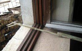 Alle Aussenwände sind mit Voll-Backsteinen gemauert (45cm)