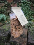 Cellophan Klotzboden Beutel gross mit getrockneten Quittenscheiben