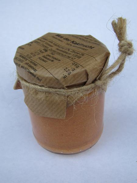 Mus der Kakifrucht im Glas