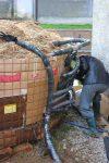 Wärme aus Biomasse - Sparen beim Heizen - Anleitung zum Eigenbau (Teil 2/4) BM ueberstehende Leitungen BM isolieren