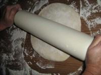 Das Pita-Originalrezept Teig groesser ausrollen