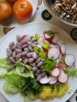 rohköstlicher Salat mit Bohnen
