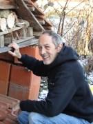 Pierre plant u baut das Wohnheim mit Seniorenzimmer auf Bauernhof