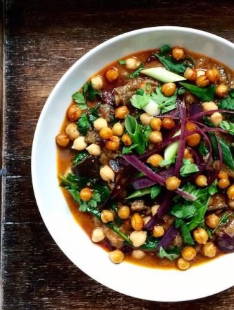 Heavenlynns Freunde: Auberginencurry mit gerösteten Kichererbsen von Kathrin