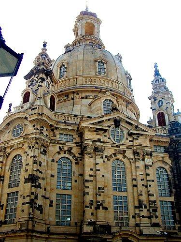 Datei:Frauenkirche-Dresden-Neubau.jpg
