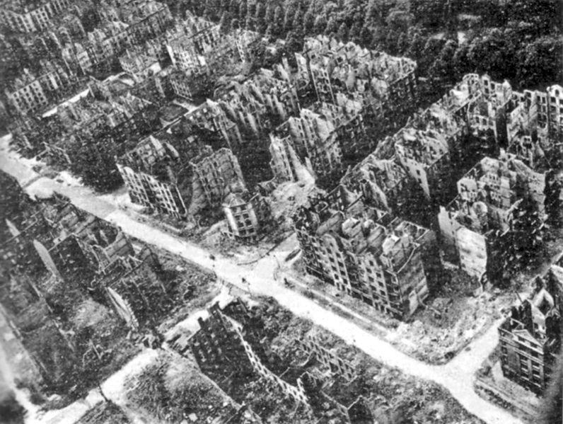 Datei:Hamburg 1943.jpg