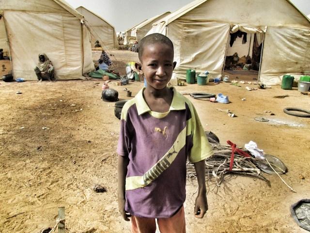 Flüchtlingslager Barsalogho, 100 km nördlich von Kaya Rot markiert sind die Provinzen, die seit 1. Januar im Ausnahmezustand sind.