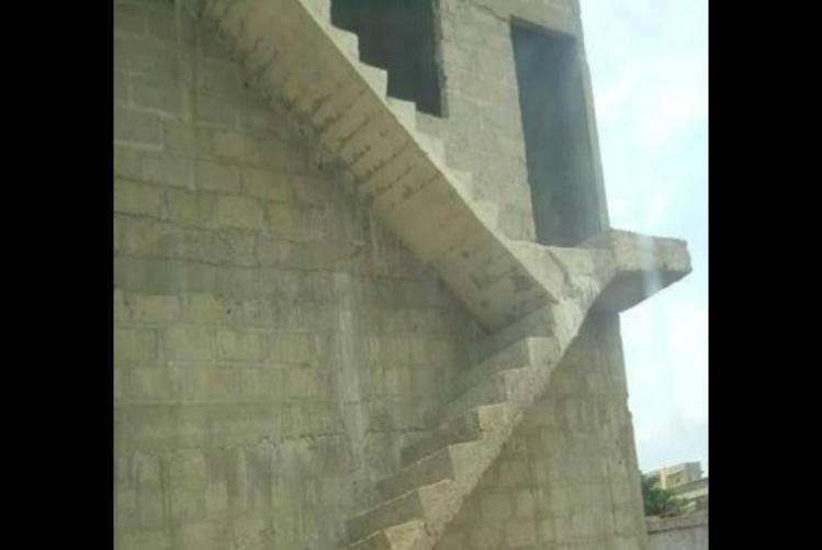 escaleras, errores épicos, albañiles, construcción, maestro, albañilería, mala planeación, arquitectura,