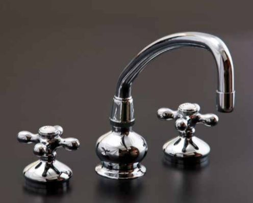widespread kitchen faucet with low rise spout