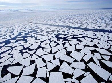 icebreak-in-mcmurdo