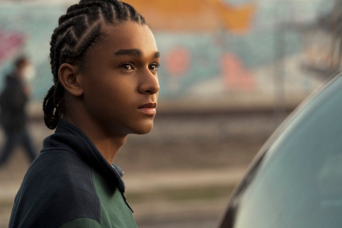 Colin In Black & White': Netflix Premiere Date, First Look Photos – Deadline