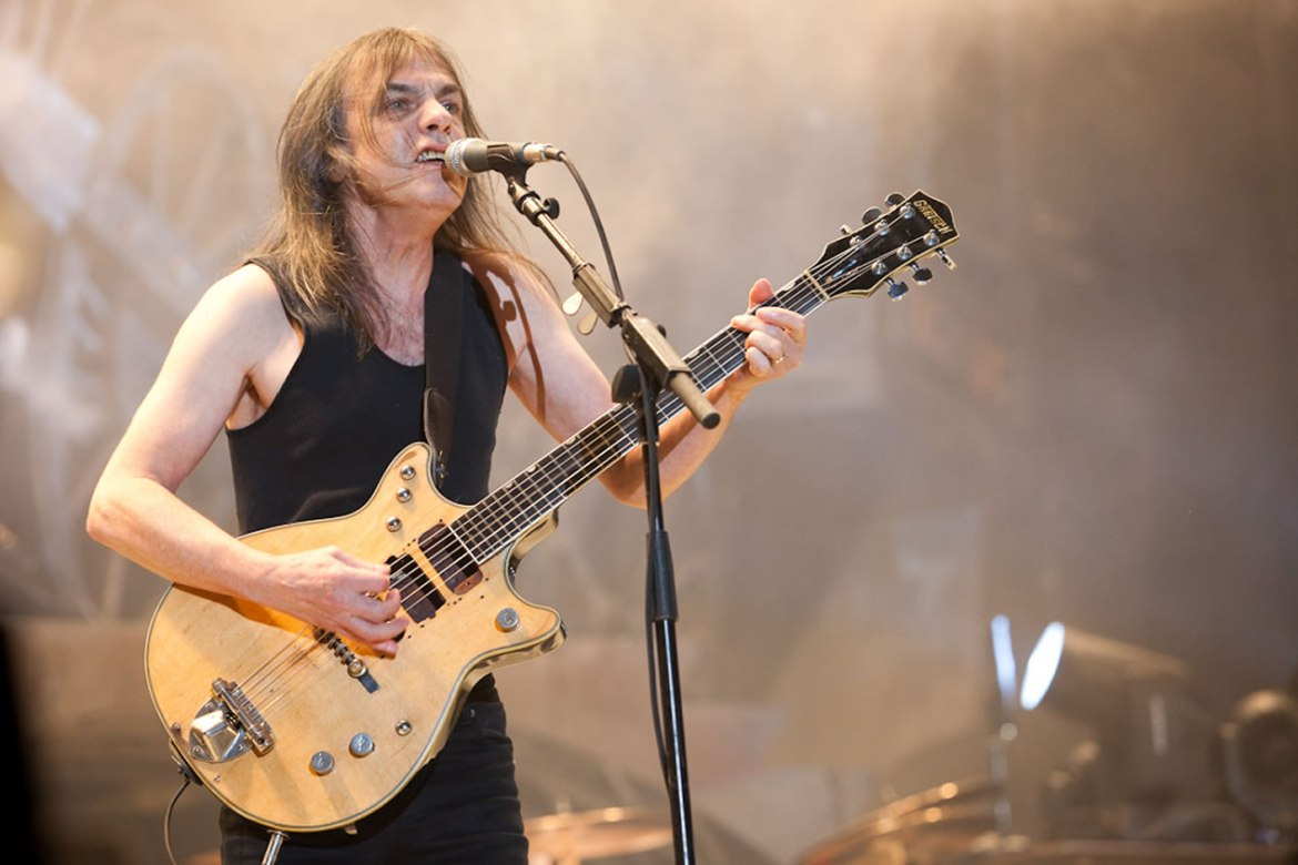 Malcolm Young dies